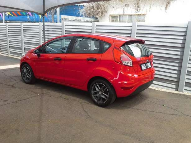 2015 Ford Fiesta 1.4 Ambiente Gezina - image 4