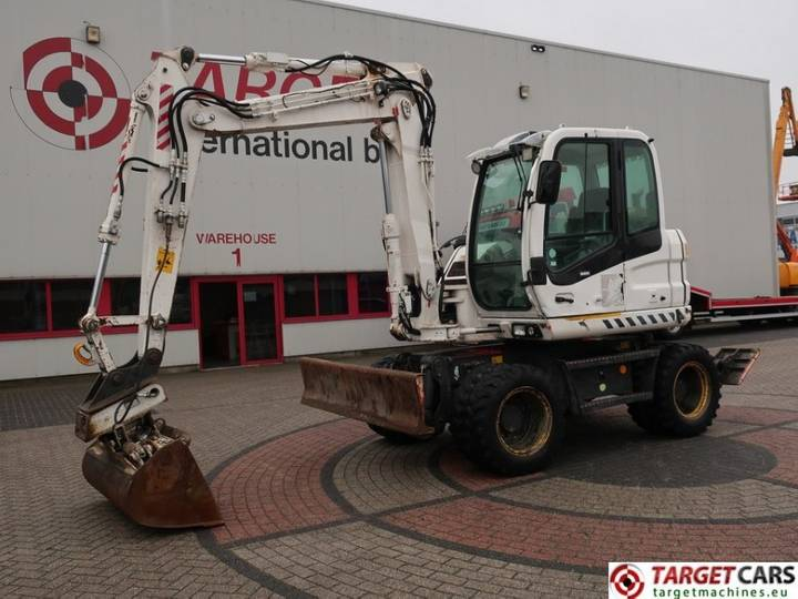 New Holland MH2.6 Mobile Wheeled Excavator 10.5T - 2008