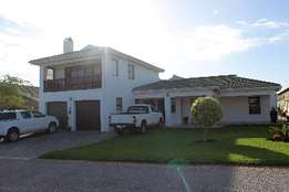 Jeffreys bay Holiday home with pool
