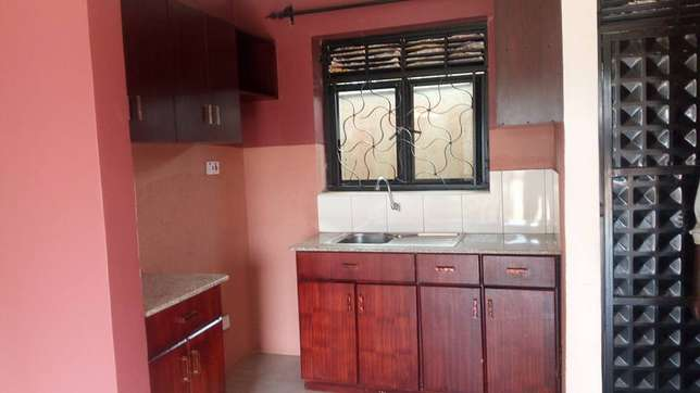 Deligthful double room in kiira- bulindo rd at 400k Kampala - image 2
