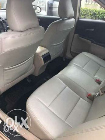 Nigerian used Toyota Camry 2013 leather with full option Isolo - image 4