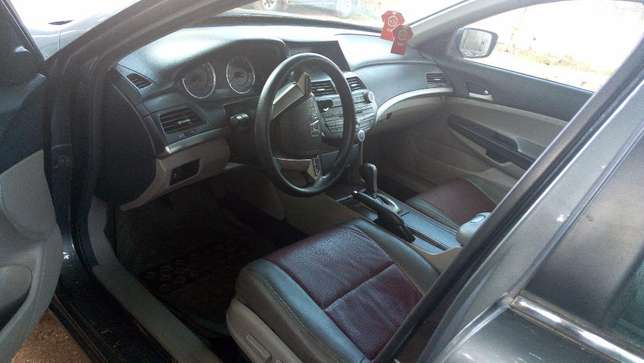 Neat 2011 Honda Accord Nigeria used Ibadan North - image 4