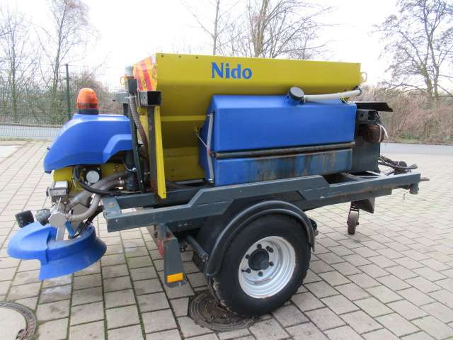 Nido Stratos B08L-15BCL280 Aanhanger Zoutstrooier - 2010