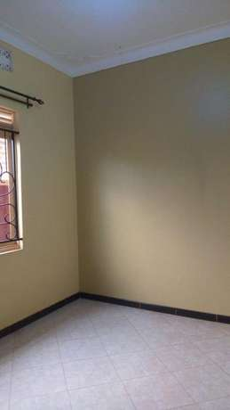 Deligthful double room in kiira- bulindo rd at 400k Kampala - image 5