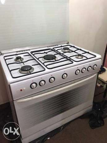 Stove oven For Sale - 50 bd- Xper brand- 5 burners Excellent condition