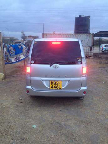 Clean Toyota Voxy for sale Mlolongo - image 2