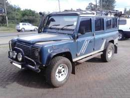 Land Rover 110 [Manual , Am/Fm Radio ,T.V Screen]