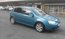 Vw golf 5 blue in color 2006 model 2.0 FSI manual 92000km R98000