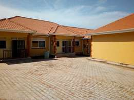 Discounted 2 bedroom house for rent in Mbuya at 500k