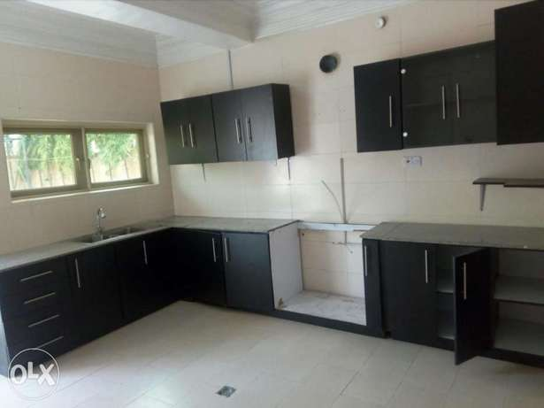 4bedroom detached duplex with 3rooms BQ at Gwarinpa Estate Abuja - image 7