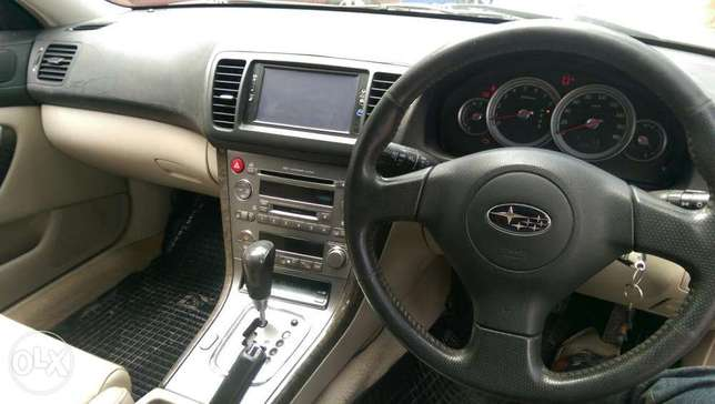 Subaru Outback leather Mombasa Island - image 5