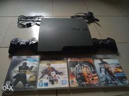 Clean PS3 with 2 Pads & 4 Game CDs