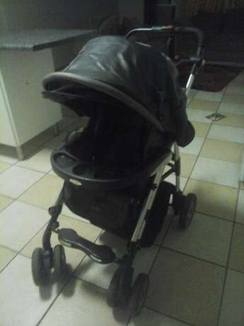 baby pram with car seat Pretoria East - image 3