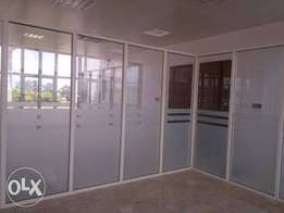 frameless office partitioning