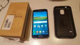 Samsung S5 16GB. With box.