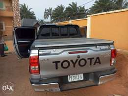 2017 Toyota Hilux in in port Harcourt...everything working very perfec