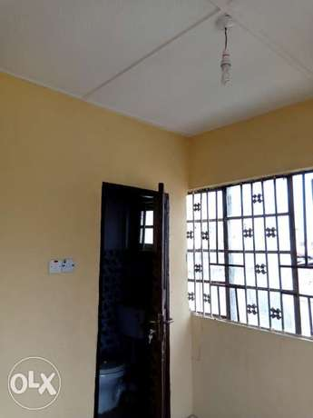 Mini flat to let Itire - image 6