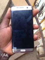 Samsung Galaxy S7 Edge with small crack