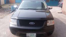 Very clean 3 seater ford freestyle