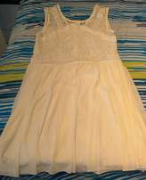 Beautiful white dress for sale