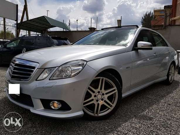 Mercedes E250, Sunroof, Full Leather, Triptronic, etc Nairobi CBD - image 3