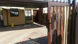 House for rent in Sosha v v ( Thorntree view) R2900 available 1st Apri