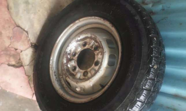 used Linglong R14 tire and steel rim Ongata Rongai - image 5