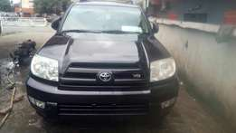 Just in 2005 model Tokunbo Toyota 4 runner V8 engine 3 rows fabric sea