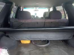 2000 Nisan pathfinder (auto drive with auxiliary) for sale