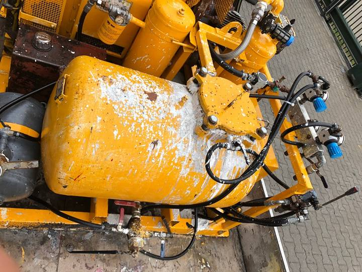 Hoffmann Wegmarkering machine - image 9