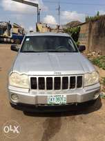 Super clean Nigeria used Cherokee Jeep 2007 model in perfect condition