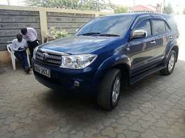 Toyota Fortuner manual 4wd 7 seater