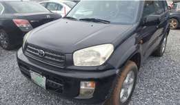 Very Clean Toyota Rav4 2004 Model Fabric Seats Buy and Drive Condition