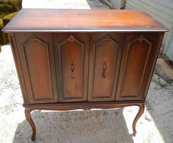 Wooden TV Cabinet North Riding - image 1