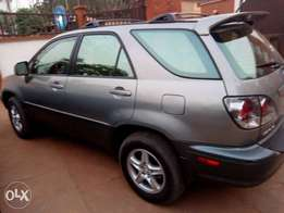 Very neat Lexus rx300 for sell