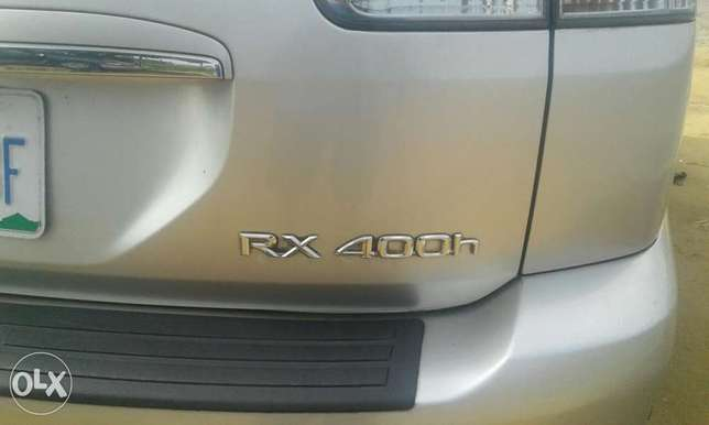 Neatly used lexus rx 4oo h for sale Port Harcourt - image 5