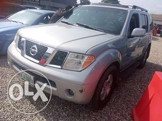 Clean registered 2007 Nissan pathfinder Lagos Mainland - image 2