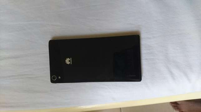 Original clean Huawei p7 black in colour Eastleigh North - image 4