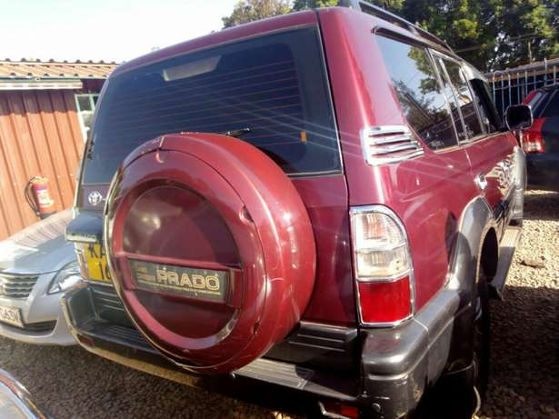 Quick sale! Clean Toyota Prado KAU now available at 1.25m asking! Mombasa Island - image 5