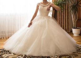 Весільні сукні Новояворівськ  купити весільне плаття бу - дошка ... 4a371dc6722a2