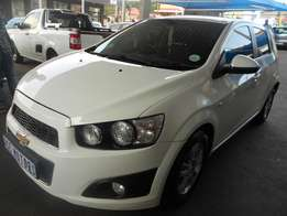 2012 Chevrolet Sonic 1.6 ls black & white edition For R 105000.
