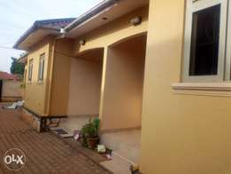 Adorable double rooms are available for rent in Kira