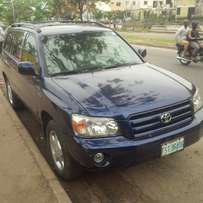 Nigerian Used Toyota Highlander, 2005/06 3-Row Leather Seat. Very Ok.
