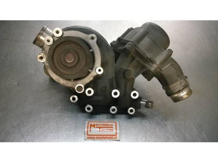 MX 300S2 Paccar engine cooling pump for DAF 105 XF truck - 2008
