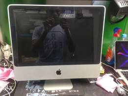 21 inch iMac for sale good condition r 4500