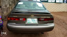 Super clean Toyota Camry 1999 model full options buy and drive