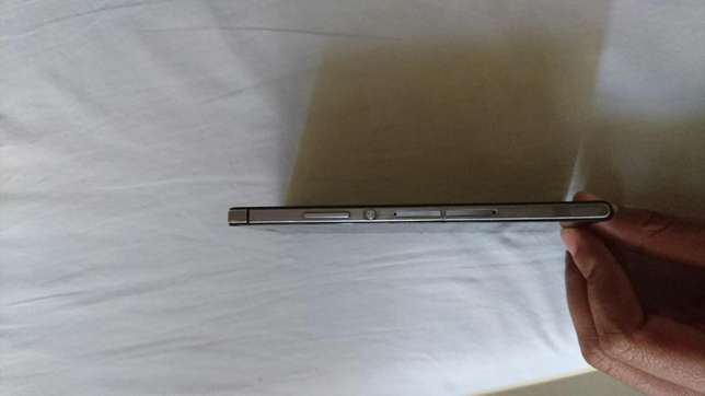 Original clean Huawei p7 black in colour Eastleigh North - image 6