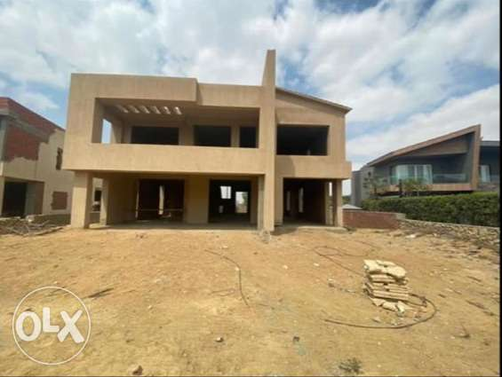 Villa in lake view compound _ type modern _view on lakes