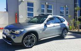 2012 BMW X1 X-Drive 2.8i A/T 69600kms Full Panoramic Glass Sun Roof