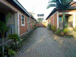 A near to the road doubleroom house for rent in kyaluiwajjala at 350k